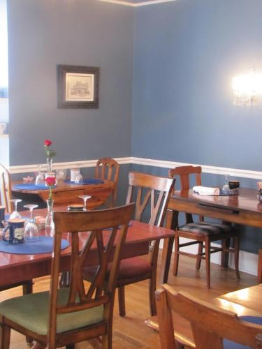 5 Ojo Inn Bed And Breakfast - Eureka Springs, AR 72632
