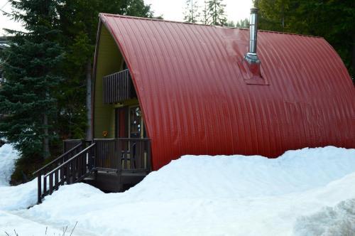 Red Shutter Cabin - Rossland, BC V0G 1Y0