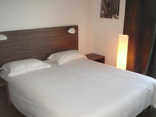 Appart h tel hevea h tel 83 avenue de la marne 26000 for Valence appart hotel