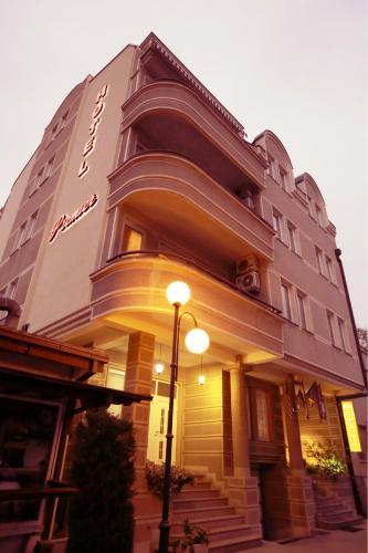 https://q-xx.bstatic.com/images/hotel/max500/429/42911953.jpg