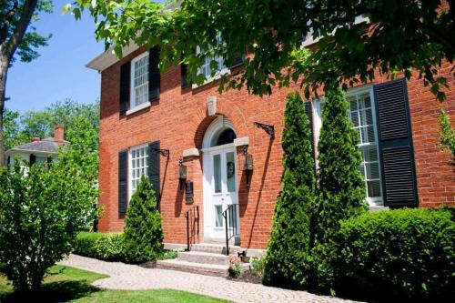 Post House Inn Circa 1835 - Niagara On The Lake, ON L0S 1J0
