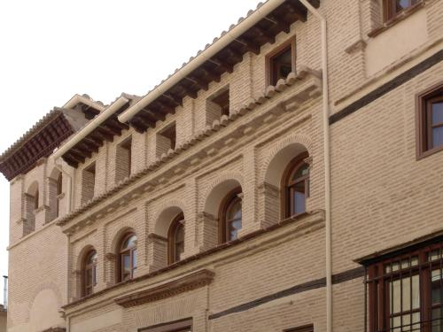 Calle Navas 1, 18009, Granada, Spain.