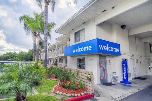 Motel 6 Chino - Los Angeles Area Photo