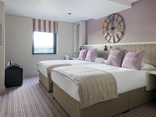 Village Hotel Edinburgh - 3 of 50