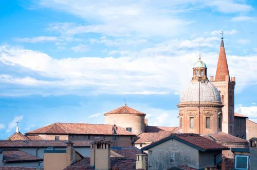 Via de' Mattuiani ½, 40124, Bologna, Italy.
