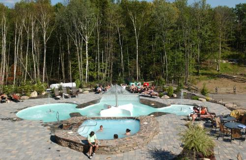 Cap Tremblant Mountain Resort Photo