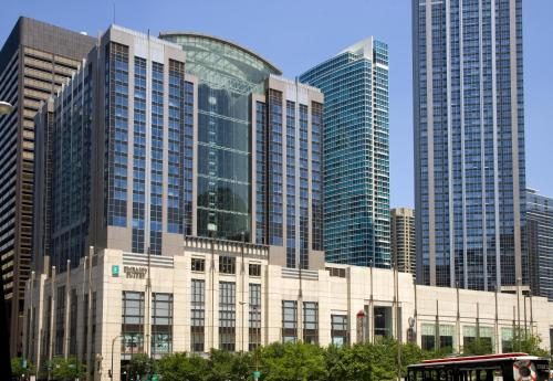 Embassy Suites By Hilton Chicago Magnificent Mile - Chicago, IL 60611