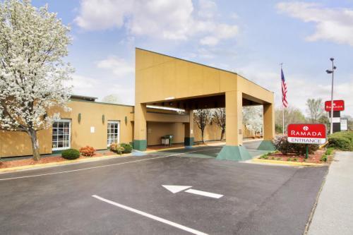Ramada Rivers Edge Conference Center Roanoke, VA Photo