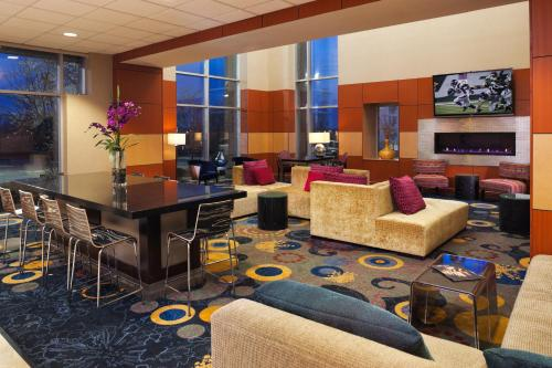 Radisson Hotel Roseville Photo