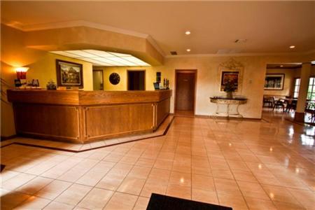 The Inn At Tallgrass - Wichita, KS 67226