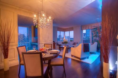 Sky Suites Yorkville - Toronto, ON M4W 3Y1