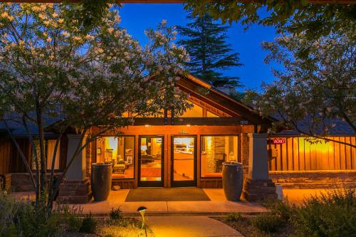 Book Hotels Near Zion National Park With Good