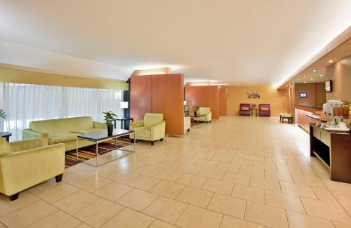Radisson Hotel Sudbury - Sudbury, ON P3E 4S4