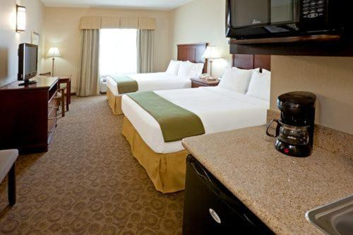 Holiday Inn Express Hotel & Suites Cedar Hill - Cedar Hill, TX 75104