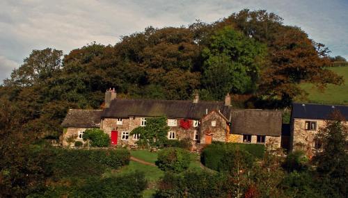 Exmoor National Park, Tarr Steps Farm, Dulverton TA22 9PY, England.