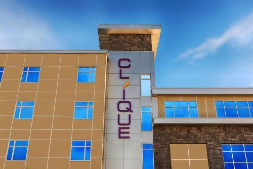 Hotel Clique Airport Calgary - Calgary, AB T2E 7Y5