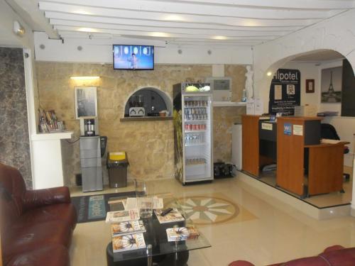 Hipotel Paris Montmartre Gare du Nord photo 16