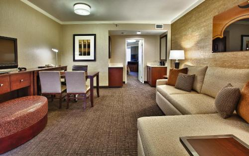 Embassy Suites Austin - Downtown/Town Lake photo 14