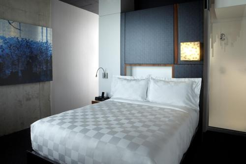 Alt Hotel Toronto Pearson - Mississauga, ON L4V 0A1