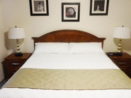 University Motel Suites Photo