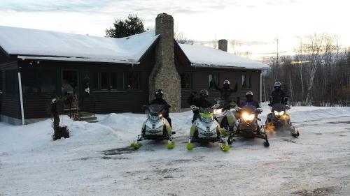 Deer Mountain Lodge & Wilderness Resort - Milan, NH 03588