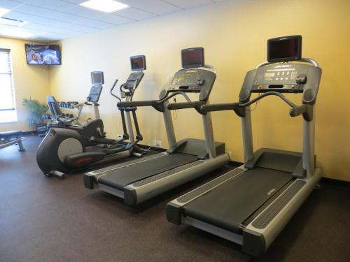 Towneplace Suites By Marriott Thunder Bay - Thunder Bay, ON P7B 6P4