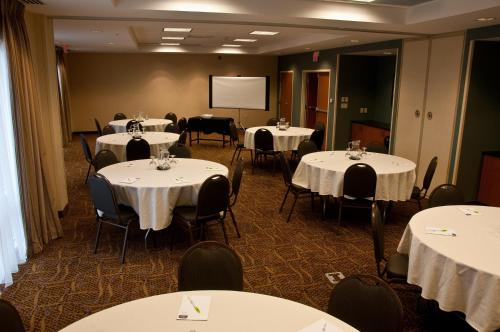 Fairfield Inn & Suites Sault Ste. Marie - Sault Ste Marie, ON P6B 5A1