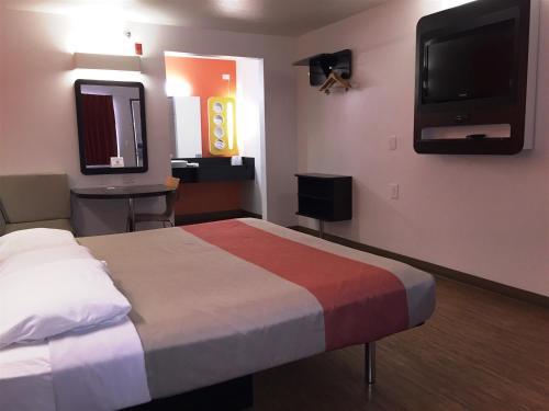 Motel 6 Brownsville North Photo