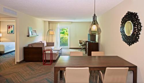 Residence Inn Miami Coconut Grove - Miami, FL 33133