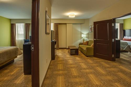Staybridge Suites Atlanta Airport - Atlanta, GA 30354