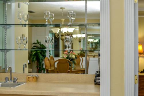 Charter Club Resort Of Naples Bay By Diamond Resorts - Naples, FL 34102