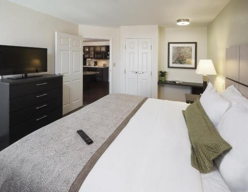 Candlewood Suites Midland Sw - Midland, TX 79707