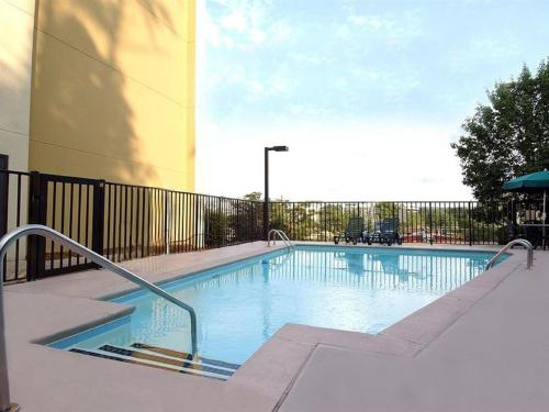 DoubleTree by Hilton Atlanta North Druid Hills/Emory Area Photo