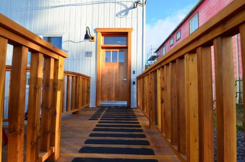 First Avenue Executive Suites - Prince Rupert, BC V8J 2B4
