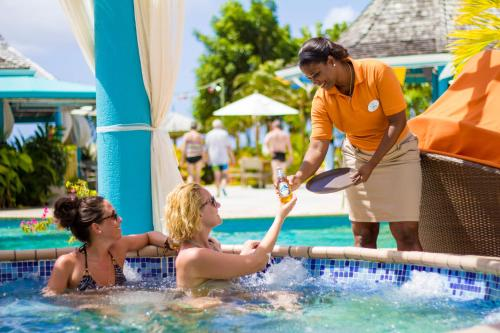 Bay Gardens Beach Resort - 30 of 92