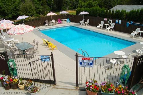 Rosedale Motel - Summerland, BC V0H 1Z4