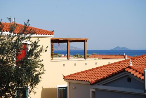 Kampos Marathokampou 83102, Samos, Greece.
