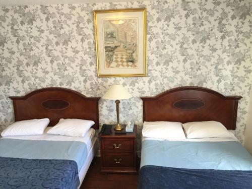 Stardust Motel - Ottawa, ON K2B 7J9