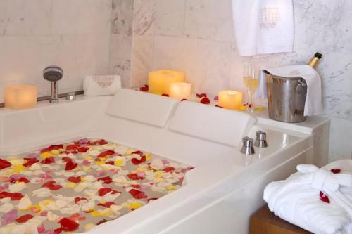 Suite Hotel Mirador de Dalt Vila 10
