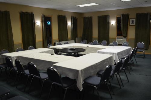 Canadas Best Value Inn And Suites Castlegar - Castlegar, BC V1N 2W8