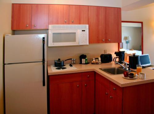 Best Western PLUS Navigator Inn & Suites Photo