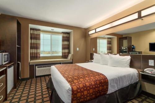 Microtel Inn & Suites By Wyndham Williston - Williston, ND 58801