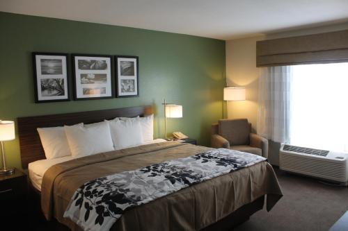 Sleep Inn & Suites Garden City Photo