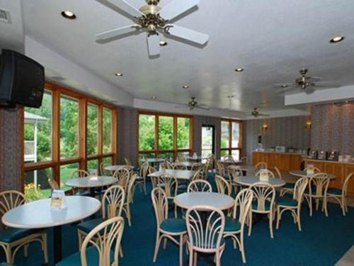 Quality Inn Cherokee Photo