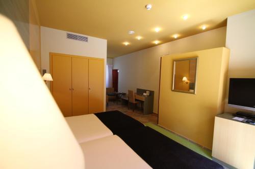 Superior Twin Room Hotel de la Moneda 7