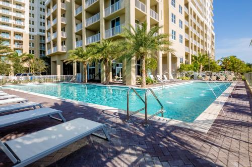 Mare Azur Miami Luxury Apartments by Grand Bay Photo