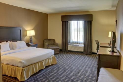 Holiday Inn Express Hotel & Suites Texarkana - Texarkana, AR 71854