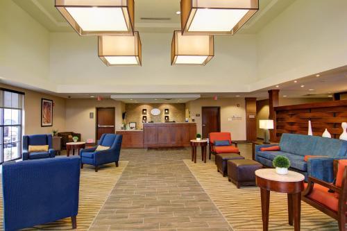Comfort Suites Carlsbad Photo