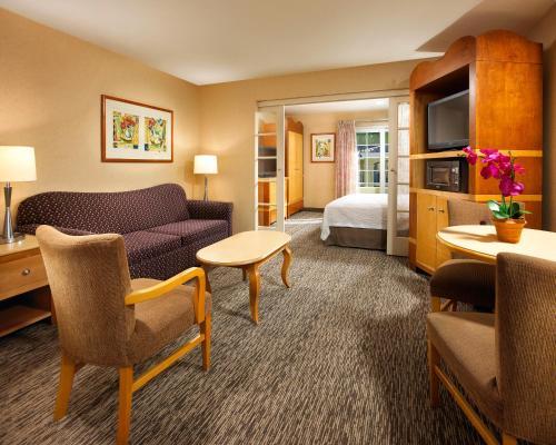 Portofino Inn and Suites Anaheim Hotel Photo