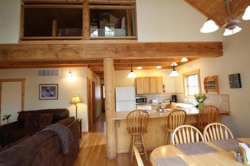 River's Edge Resort - Winthrop, WA 98862